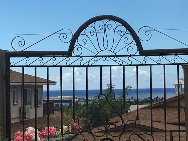 Home with magnificent Ocean view near Ko Olina, HI