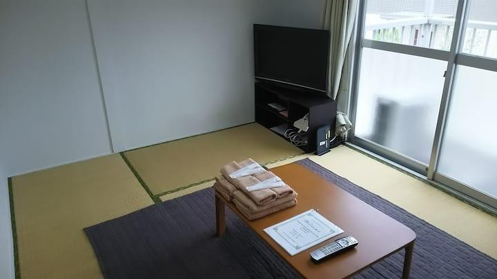 203【Free WiFi付】博多駅から鉄道で2駅5分!観光やビジネスに便利な立地です。