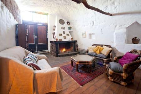 Maravillosa Casa Cueva en entorno rural - Fasnia - Casa nella roccia