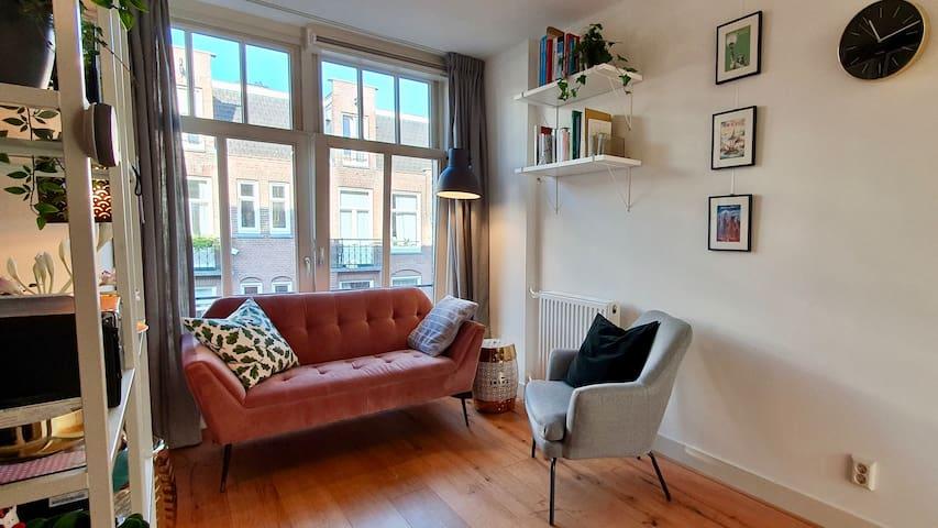 Bright and clean studio apartment