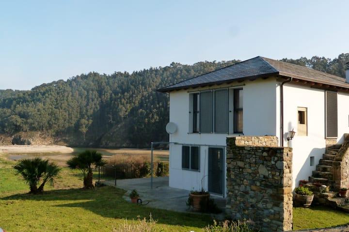 Casa con vistas únicas al mar en Luarca, Asturias