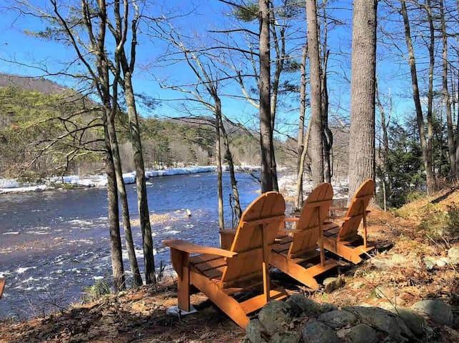 "Elegant Adirondack Waterfront Home-""River Rapture"""