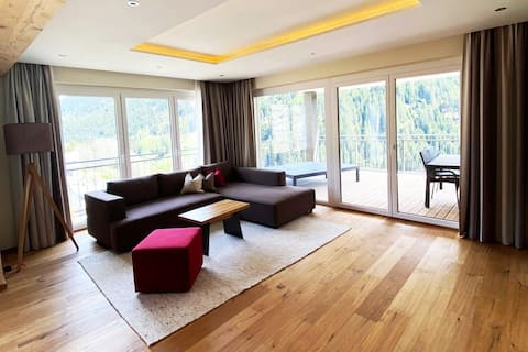 Luxury Chalet with SPA + Pool for 6 close Ischgl