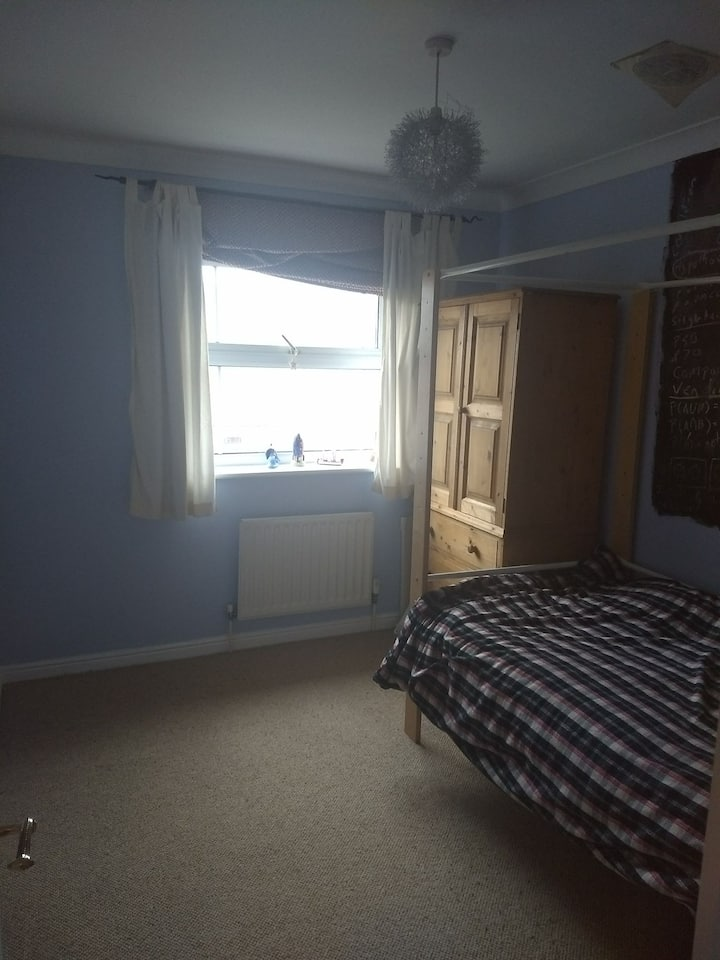 Single room close to the seafront and city centre