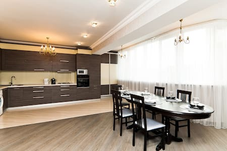 Superb penthouse, centrally located - Chişinău - Apartment