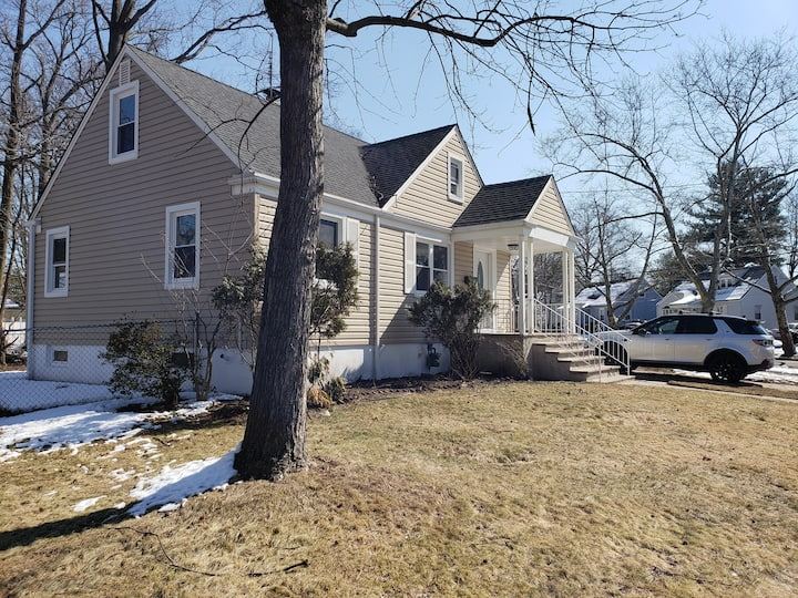 Basement, Close Proximity to EWR and NYC