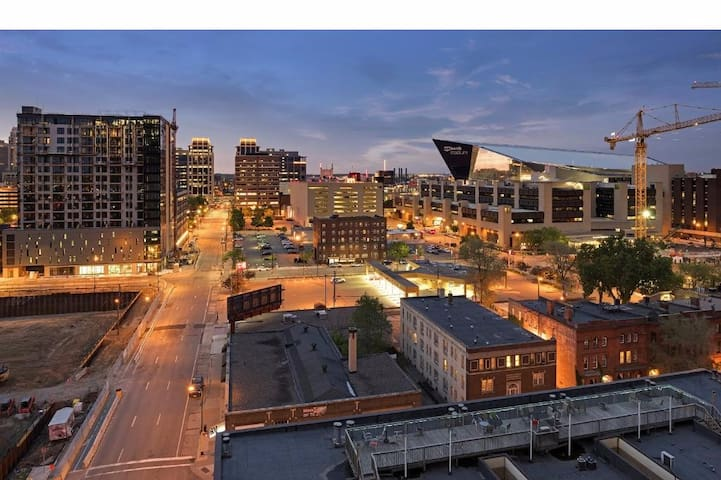 Super Bowl Perfection. Corner Unit condo rental. - Minneapolis - Selveierleilighet