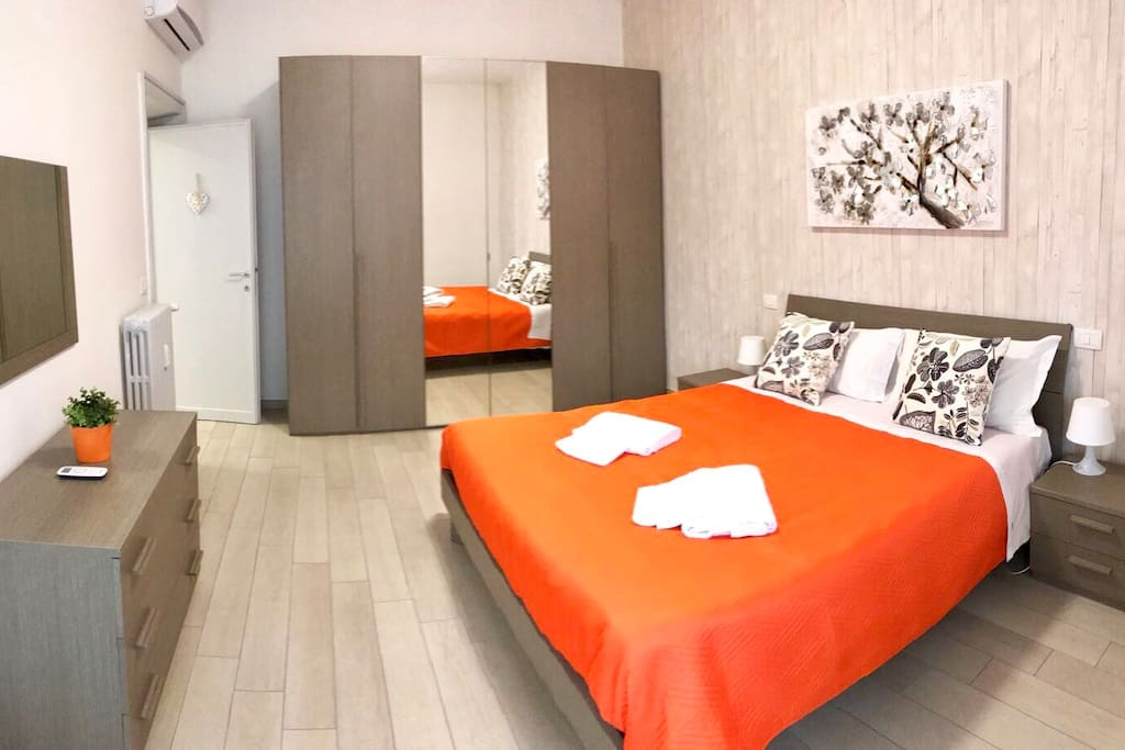 New Orange bedroom! Just renovated with new memory mattress!