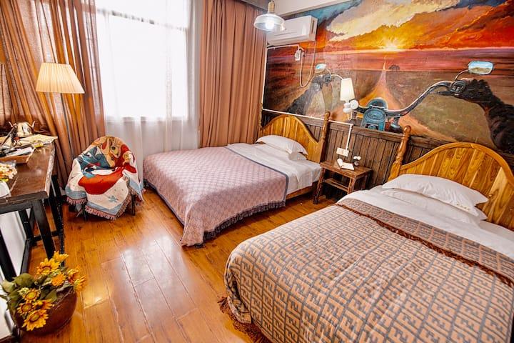 花语堂B-文艺双床房-天门山景区100米-提供旅游咨询-预约接站-请直接预定-不满意放心退