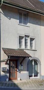Zimmer in altem Landhaus