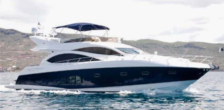 Yacht for charter hourly, min 4 hours max 6 hours