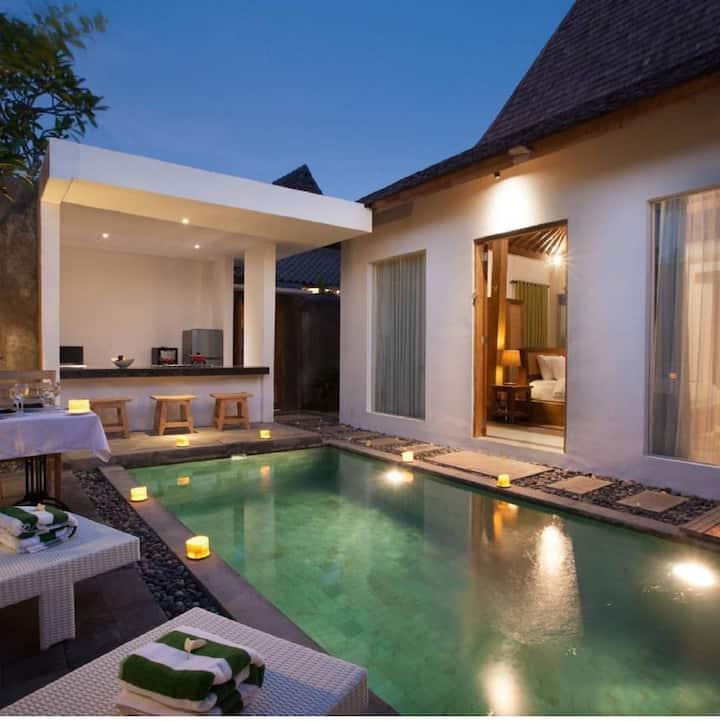 Private Villa Ratu Umah Joglo | Kerobokan - Bali