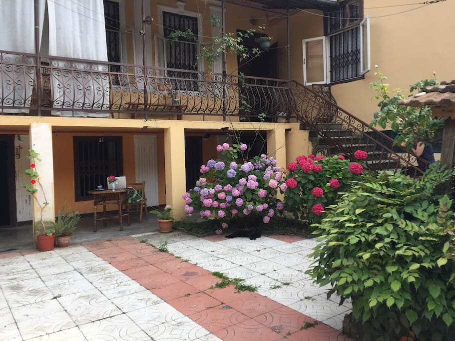 House entrance / Вход в дом