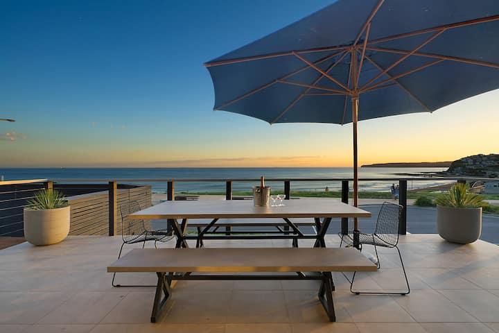 Laid-back Luxury on Merewether Beachfront