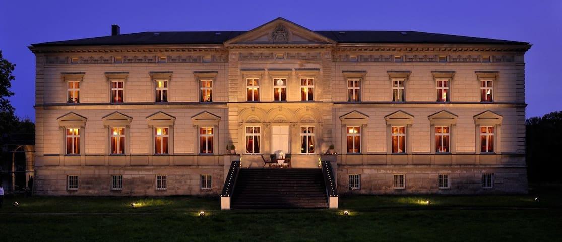 Schloss Tressow - Bobitz - Castello