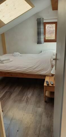 Chambre N°2 / Bedroom 2