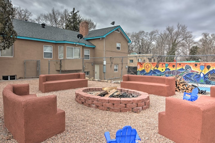 NEW! Central ABQ Apt w/ Shared Pool & Grill!