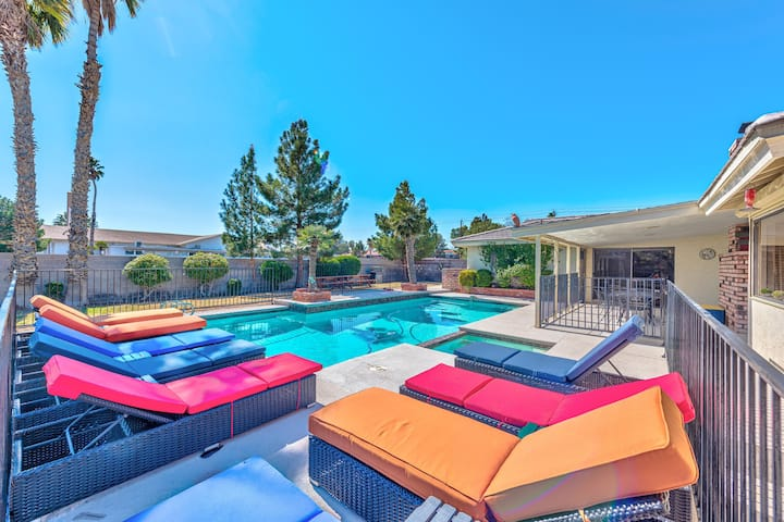 luxury villa on20k sq 4bedroom 5minutes from strip