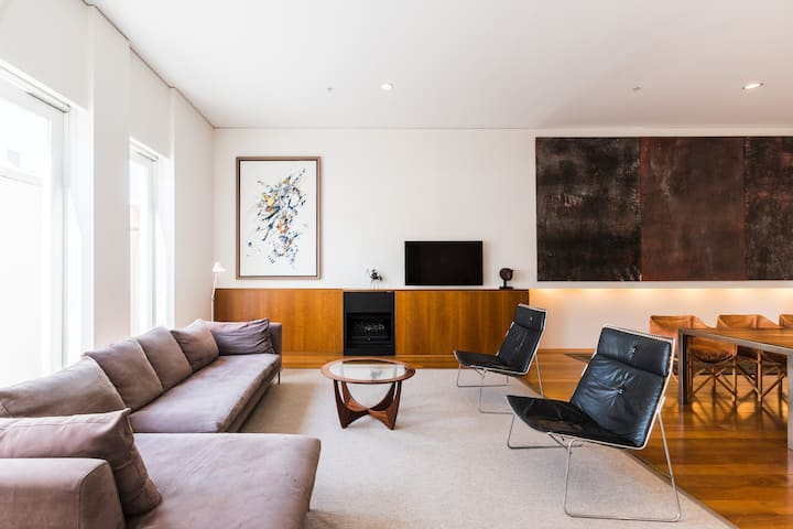Architect's Warehouse Apartment on Mouat Fremantle