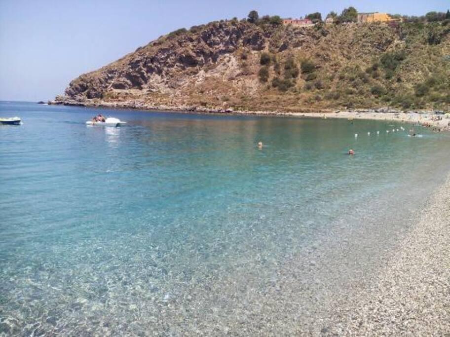 Il mare splendido della spiaggia di ponente praticamente dietro casa.