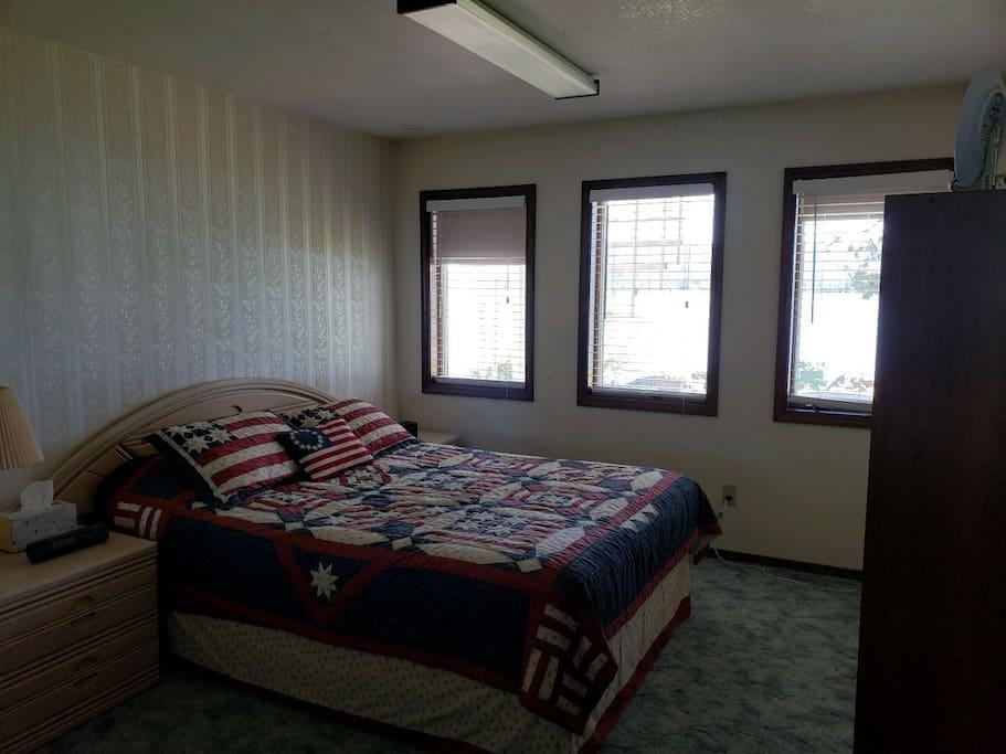 Queen bed bedroom #1