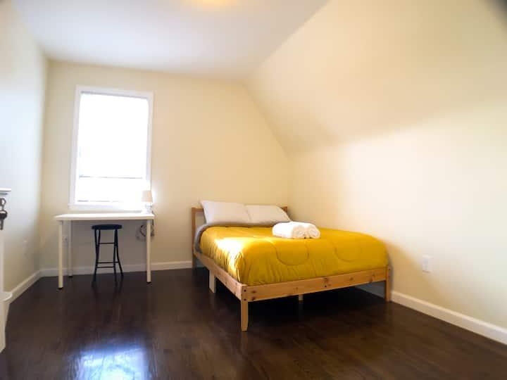 Private Room Near Harvard, BU and Downtown Boston!