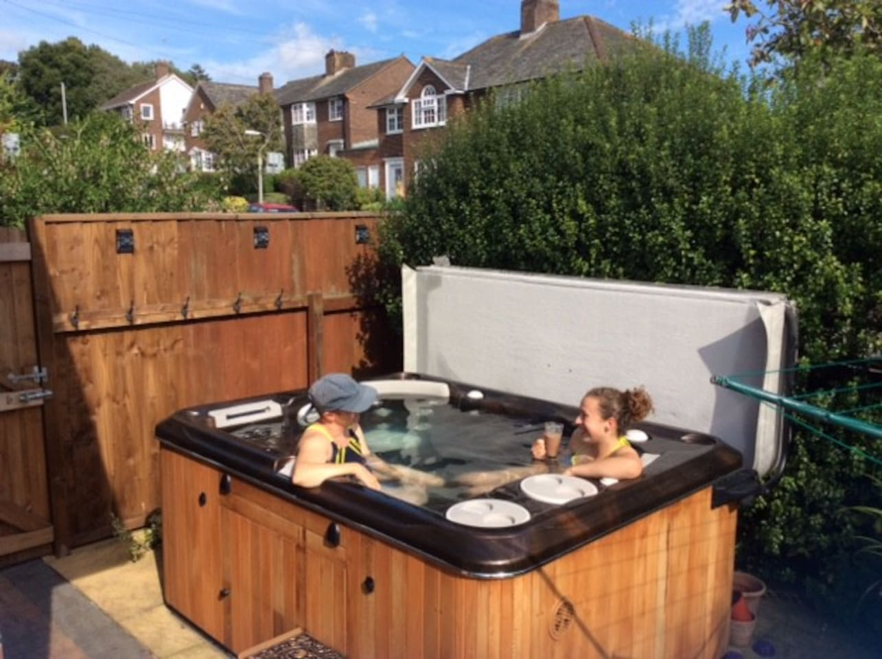 Hot tub in the garden at 38 d!