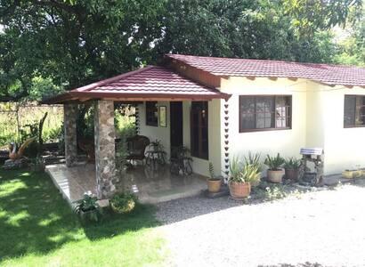 Casa Acogedora del Campo en Santiago