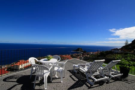 Casa das Escaleiras,  Gorgeous sea view, WiFi - Porto Moniz - Talo