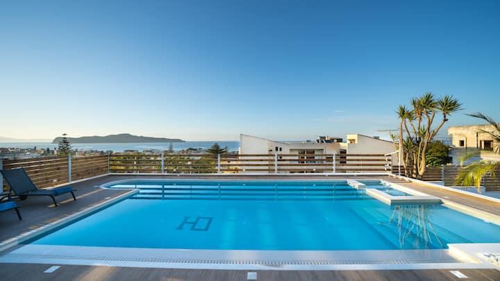SeaView Garden Villa (Brand new Swimming pool)