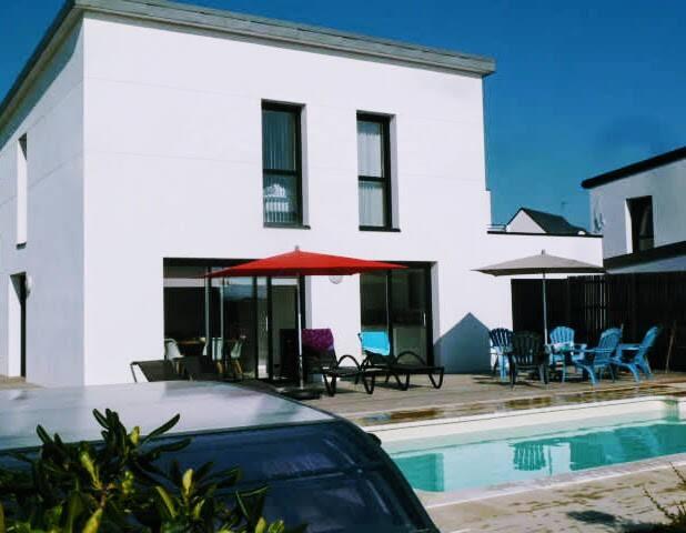 Maison 4* vue mer piscine chauffée 5min des plages
