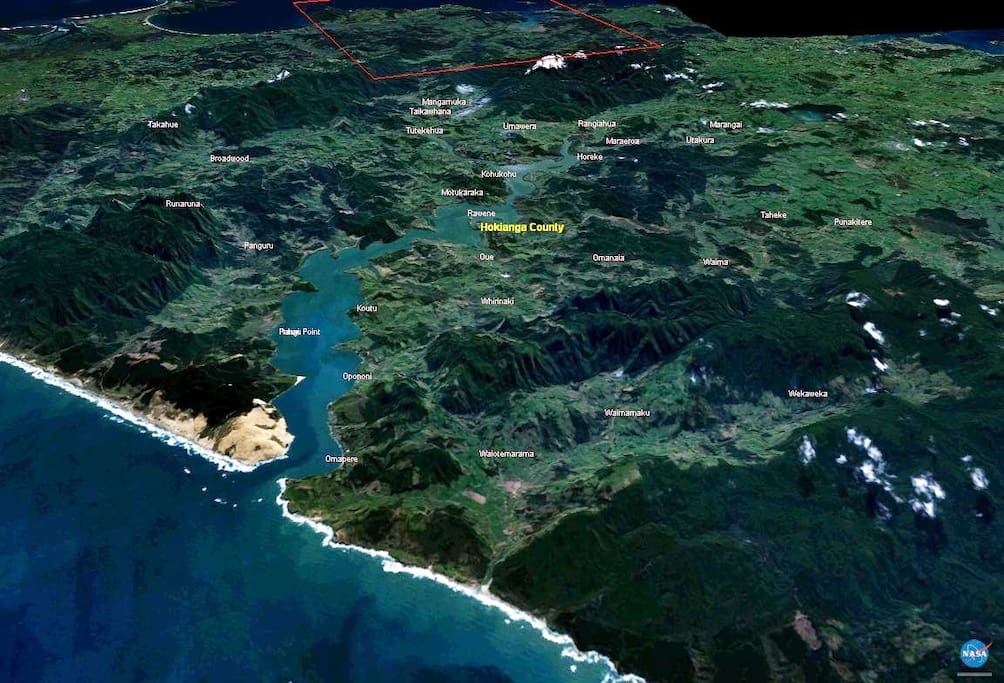 An overview of the Hokianga, we live in Koutu at the upper right hand of the harbour in this pictue.