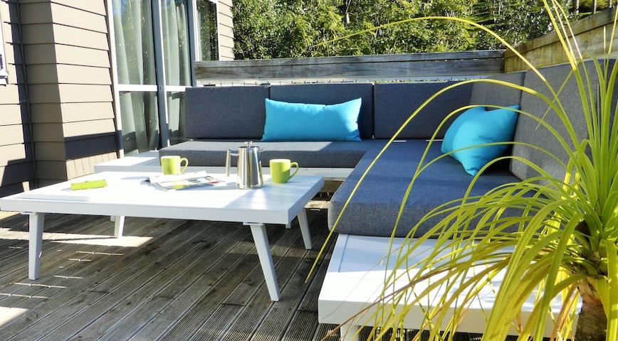 Lacebark Treetops  Cottage:  1 bed/ensuite option