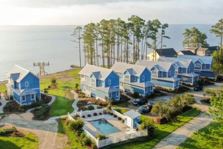 Neuse Village #5 - Quaint cottage with private beach, pool & amazing views