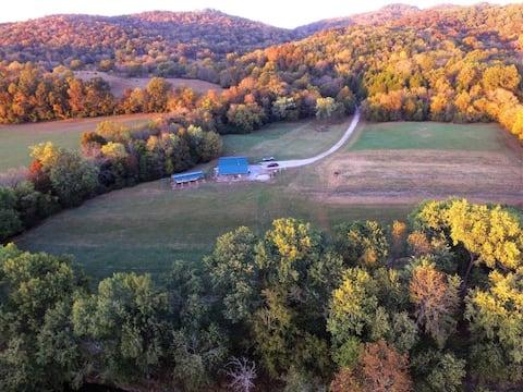 Beautiful Farm on Caney Fork River 2 BR 1B