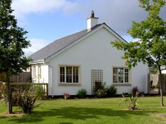 Family Friendly Holiday Home near a stunning beach - Brittas Bay - House