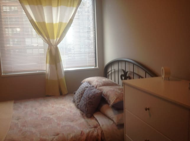 Second bedroom with Queen bed and desk