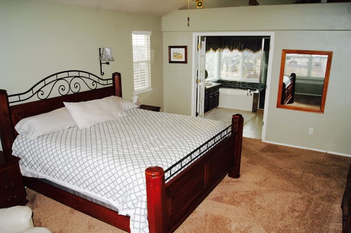 Luxurious Master Bedroom Suite in Colorado Springs