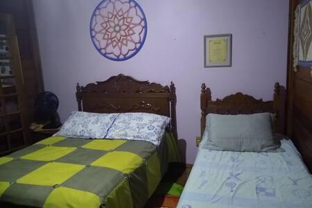 Quarto cama de casal e SOLTEIRO  Barão Geraldo