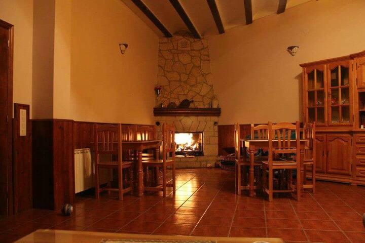 Casa rural Lahuerta 9/15pax