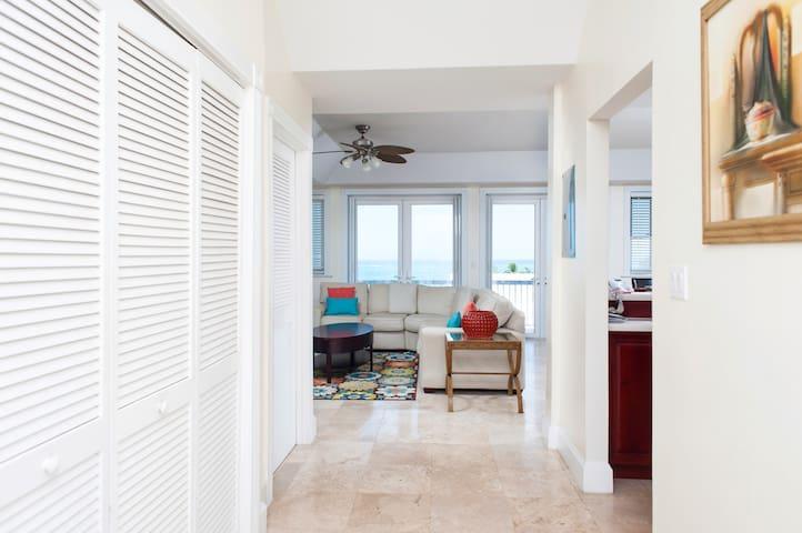 MOL #1 - Nassau - Apartamento