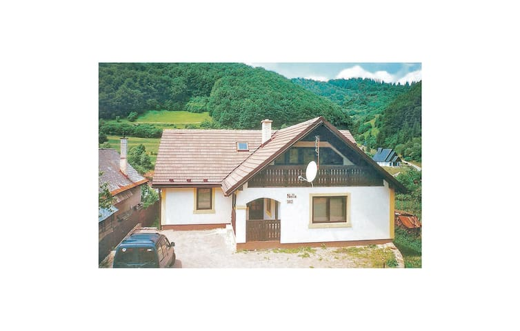 Holiday cottage with 6 bedrooms on 450 m² in Myto Pod Dumbierom