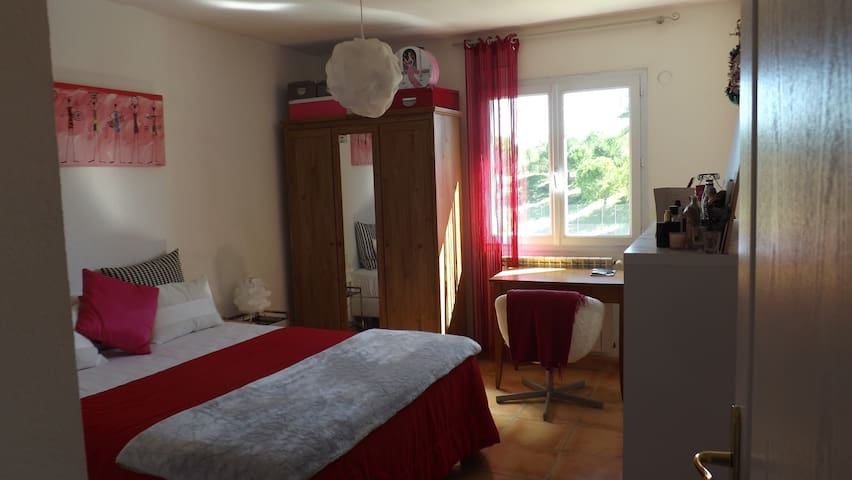 Room with  A/C, Swimming-Pool,  Parking,  Tennis.