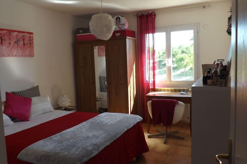 chambre climatisée réglage individuel grand lit 1.60 X 2.00