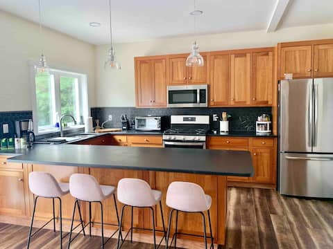 Lakes region centrally located 3-bedroom apartment