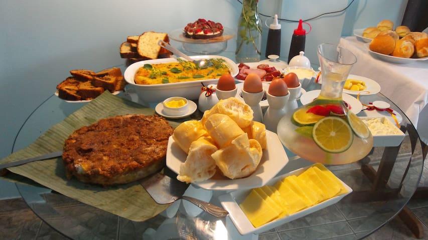 Suíte com café da manhã ( céu) - Blumenau - Bed & Breakfast