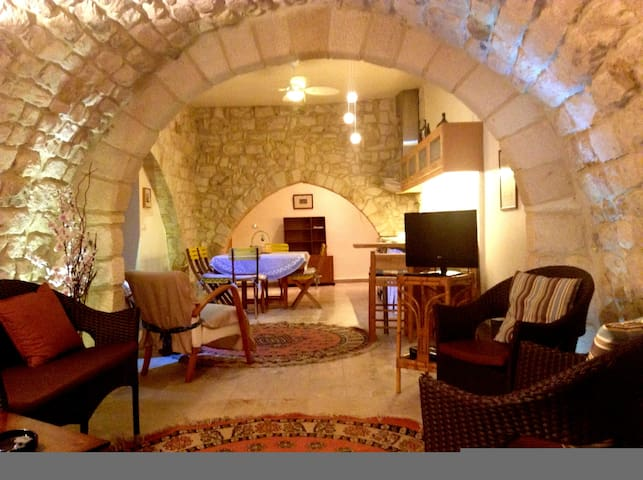charming cottage, renovated - Sidon District - Lejlighed