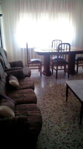 Piso en el centro de la ciudad - Alcañiz - Appartement