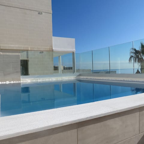 Brand New Sea-Front Villa Apt with Private pool - Marsaskala - Lägenhet