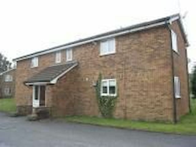 M/c Airport Apartment:Free Parking - Wilmslow, England, GB - Apartamento